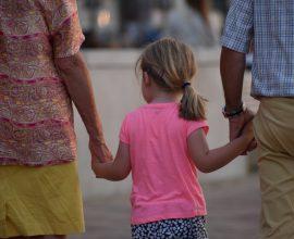 Διατροφή θα πληρώνουν και οι παππούδες: Πότε θα συμβαίνει αυτό