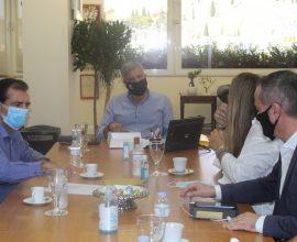 Πατούλης: «Σε συνεργασία με τον Δήμο Αθηναίων εκσυγχρονίζουμε και ενισχύουμε την ασφάλεια αθλητικών χώρων της Αττικής»