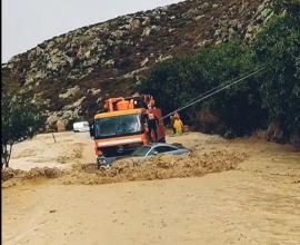 Συγκλονιστικό βίντεο: «Βούλιαξε» η Κρήτη – 298 κλήσεις για αντλήσεις υδάτων και 33 διασώσεις πολιτών