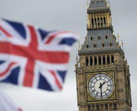 Σέ νέο lockdown οδεύει η Βρετανία