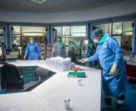 Ραγδαία αύξηση: 2.056 νέα κρούσματα, 135 διασωληνωμένοι, 5 νεκροί
