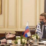 Συνάντηση Μητσοτάκη-Λαβρόφ: Η Μόσχα επιθυμεί να συμβάλλει στην ομαλοποίηση