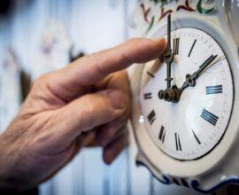 Αλλάζει η ώρα την Κυριακή (25/10) – Τι γίνεται τελικά με το θέμα της κατάργησής της