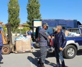 Περιφέρεια Θεσσαλίας: Τρόφιμα και είδη πρώτης ανάγκης από τις μονάδες της Πολεμικής Αεροπορίας Λάρισας και Μαγνησίας