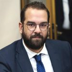 """Φαρμάκης: """"Η επίθεση τραμπούκων κατά της ενημέρωσης είναι επίθεση κατά της δημοκρατίας και της ελευθερίας"""""""