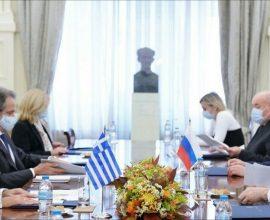 Συνάντηση Δένδια-Λαβρόφ: Ενίσχυση συνεργασίας και υπογραφή κοινού μνημονίου