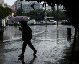 Έκτακτο δελτίο καιρού: Που θα σημειωθούν βροχές και καταιγίδες