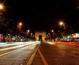 Lockdown στη Γαλλία: Υποχρεωτική τηλεργασία, κυκλοφορία με βεβαιώσεις