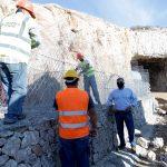 Αυτοψία Πατούλη στα έργα άρσης της επικινδυνότητας που εκτελεί η Περιφέρεια στη σήραγγα Λουμπάρδα