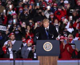 Αισιοδοξία Τράμπ για τις εκλογές – «Ανάπτυξη ή lockdown»-Αντιπαράθεση με Ομπάμα