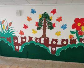 Ο Δήμος Αχαρνών ζωγραφίζει τα Νηπιαγωγεία και τα Δημοτικά σχολεία της πόλης