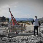ΠΝΑ: Μπροστά από το χρονοδιάγραμμα η κατασκευή της νέας γέφυρας του ποταμού Μάκαρη στο Χαράκι