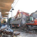 Δήμος Λαρισαίων: Παρελθόν επικίνδυνο κτίριο δίπλα από το Αρχαίο Θέατρο