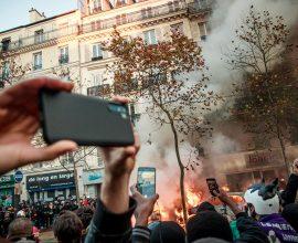 Σοβαρά επεισόδια στο Παρίσι- Διαδηλώσεις κατά της ποινικοποίησης δημοσίευσης εικόνων- βίντεο
