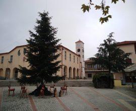 Ο Δήμος Δεσκάτης ξεκίνησε τον Χριστουγεννιάτικο στολισμό