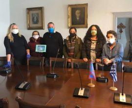 Ο Δήμος Σπετσών παρέδωσε tablets στους διευθυντές των σχολείων