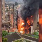 Ισχυρή έκρηξη σε διυλιστήριο της Νότιας Αφρικής (βίντεο)