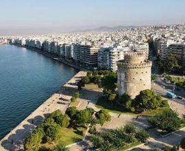 Ο δήμος Θεσσαλονίκης θα μεταφέρει τους ευάλωτους πολίτες στα εμβολιαστικά κέντρα