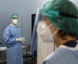 Κορονοϊός: 858 κρούσματα και 32 νεκροί σε 24 ώρες – 274 οι διασωληνωμένοι