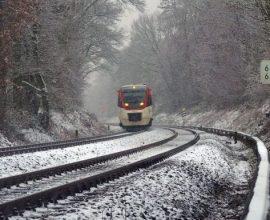 Περιπέτεια για επιβάτες τρένου -Σε βράχια προσέκρουσε η αμαξοστοιχία 87 Φλώρινα-Θεσσαλονίκη