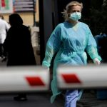 Κορονοϊός: 516 κρούσματα και 27 νεκροί σε ένα 24ωρο – 300 οι διασωληνωμένοι