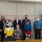 Δήμος Αγρινίου: Βράβευση μαθητών που συμμετείχαν σε σχολικό διαγωνισμό