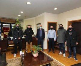 """Δήμαρχος Λαρισαίων: """"Να μείνει όρθια η εστίαση"""""""