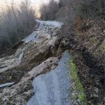 Περιφέρεια Ηπείρου: Καταστράφηκε ολοσχερώς ο δρόμος στον Καλουτά