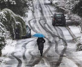 Κακοκαιρία: Συνεχίζει την επέλασή του ο «Λέανδρος» – Χιόνια και πολικές θερμοκρασίες