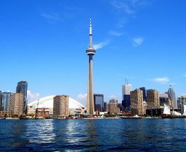 Καναδάς: Εξετάζει το ενδεχόμενο να αυστηροποιήσει τον έλεγχο της καραντίνας