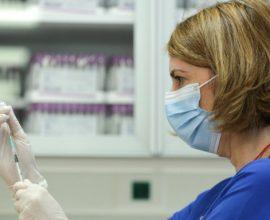 Ξεκίνησε ο εμβολιασμός των ατόμων άνω των 85 ετών