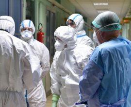 Κορονοϊός: 320 κρούσματα και 19 νεκροί σε ένα 24ωρο – 322 οι διασωληνωμένοι