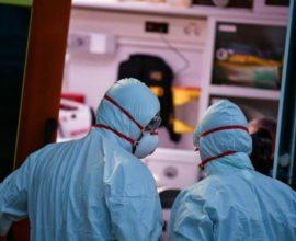 Κορονοϊός: 566 κρούσματα και 30 νεκροί σε 24 ώρες – 320 οι διασωληνωμένοι