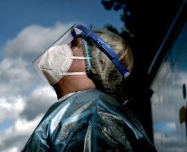 Συναγερμός για 2 νέες μεταλλάξεις κορονοϊού που αντέχουν στο εμβόλιο