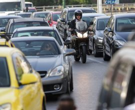 Περιφέρεια Αττικής: Σημαντική μείωση της κυκλοφορίας οχημάτων η οποία φθάνει κατά μέσο όρο στο 21,4%