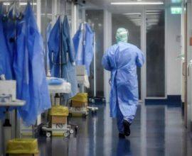 Κορονοϊός: 2.219 κρούσματα και 35 νεκροί σε 24 ώρες- 449 οι διασωληνωμένοι