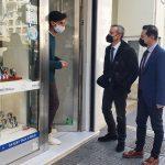 Δ. Θεσσαλονίκης: Επίσκεψη Ζέρβα στην αγορά κατά την πρώτη μέρα επαναλειτουργίας της