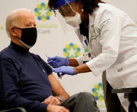 Κορονοϊός: Πάνω από το 50% των Αμερικανών έχει λάβει τουλάχιστον μία δόση εμβολίου