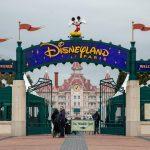 Σε μεγάλο εμβολιαστικό κέντρο μετατρέπει την Disneyland, η Γαλλία