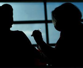ΗΠΑ: 28 περιστατικά θρομβώσεων μεταξύ 8,7 εκ. εμβολιασμών με Johnson & Johnson