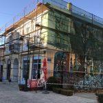 Δήμος Αιγιαλείας: Ξεκίνησαν οι εργασίες αποκατάστασης στη δημοτική πινακοθήκη Ακράτας