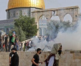 Νέες βίαιες συγκρούσεις Παλαιστινίων με Ισραηλινούς στην πλατεία των Τζαμιών στην Ιερουσαλήμ