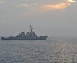 Στενά του Χορμούζ: Προειδοποιητικά πυρά αμερικανικού πλοίου κατά ιρανικών σκαφών