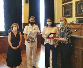Εθιμοτυπική επίσκεψη του Κυβερνήτη του Βρετανικού πολεμικού πλοίου «HMS KENT» στον Δήμο Πειραιά