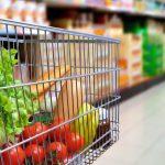 Αγίου Πνεύματος: Πώς λειτουργούν σούπερ μάρκετ και καταστήματα