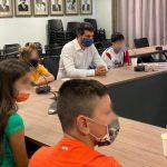 Μαθητές από το Δημοτικό Σχολείο Αγροκηπίου, υποδέχθηκε στο Δημαρχείο ο Δήμαρχος Χανίων