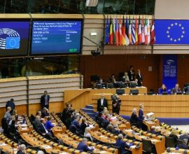 Το Ευρωπαϊκό Κοινοβούλιο ενέκρινε το νόμο για το κλίμα