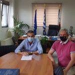 Δήμος Θηβαίων: Υπογραφή της σύμβασης για το έργο βελτίωσης των αθλητικών εγκαταστάσεων του Δημ. Σταδίου Θήβας