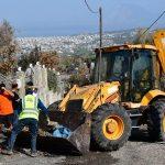 Δήμος Πατρέων: Καθαρισμός από εργαζόμενους και μηχανήματα των περιοχών που κάηκαν