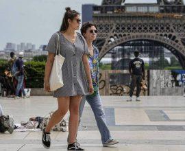 Γαλλία: Νέα σειρά μέτρων μπροστά στο τέταρτο κύμα